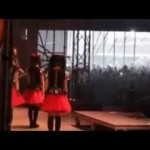 ▶ 「BABYMETAL with DRAGONFORCE in Download Festival 2015 in England」 – YouTube
